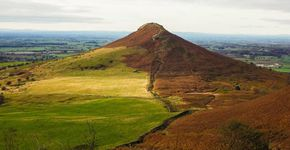 Roseberry Topping and Captain Cooks Monument